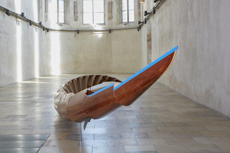 Helix Simulator, 2015 Eight oar rowing boat  Installation view, museum Krems  Foto: Josef Schauer Schmidinger